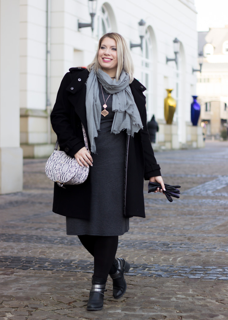 missesviolet-fashionkarussell-xmas-outfit-classic-grey-and-black-mit-codello-accessoires-1