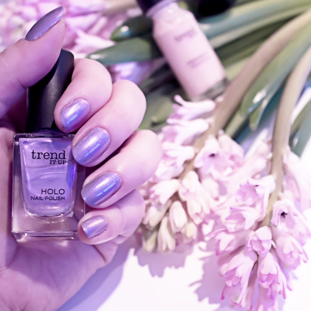 trend IT UP Holographic Heroes Review | Violet Sunday - Missesviolet